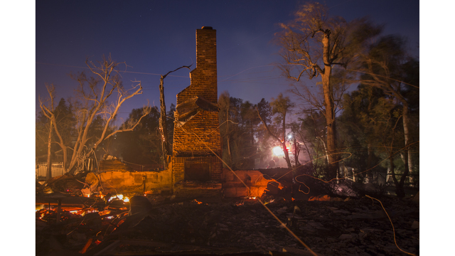 Southern California Wildfires Forces Thousands to Evacuate_682248