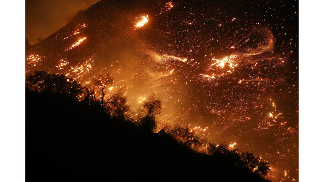 Southern California Wildfires Forces Thousands to Evacuate_682251