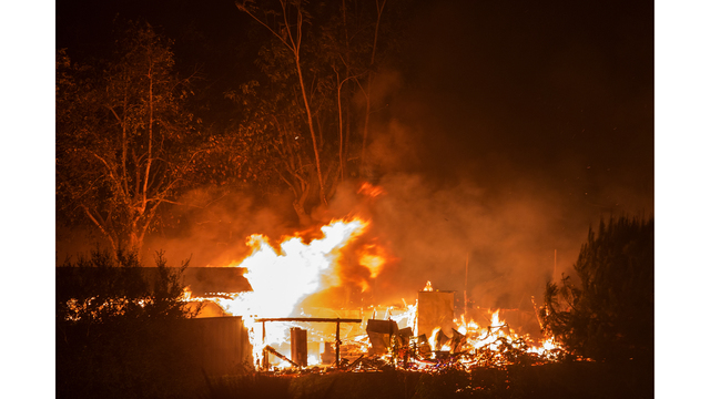 Southern California Wildfires Forces Thousands to Evacuate_684007