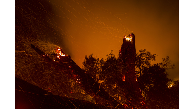 Southern California Wildfires Forces Thousands to Evacuate_684004