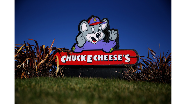 Chuck E. Cheese restaurant brawl ends with 2 hurt, 2 women arrested