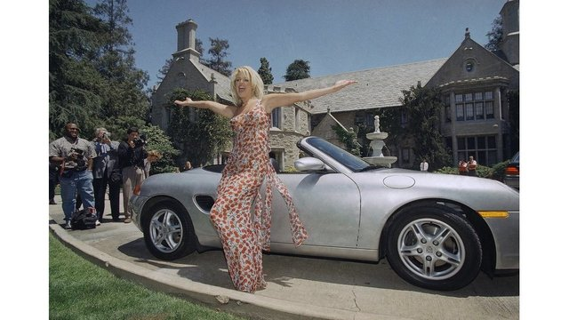 Playboy Mansion to get protected status under deal with city
